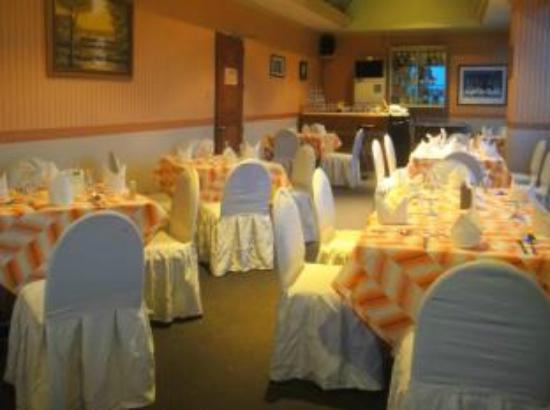 Orange Grove Hotel Photo