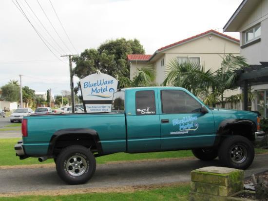 Blue Wave Motel : Surfing Support Vehicle (SSV)