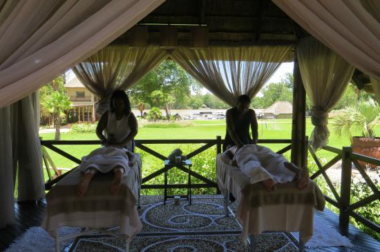 Vanderbijlpark, แอฟริกาใต้: Spa treatments ,spa menu available.