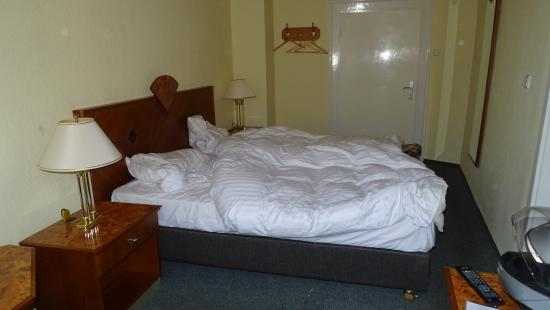 Hotel Goldener Anker : Zimmer 14 ohne Schrank