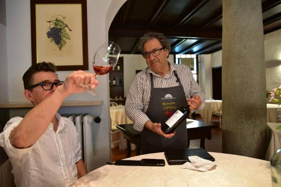 Il Grappolo : Chef Beppe Sardi presents the Grignolino wine