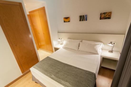 Valenciaflats Mercado Central: Habitación doble con cama de matrimonio