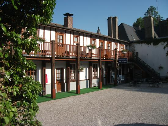 Photo of Chateau Ferme Hotel du Fief d'Herambault Montcavrel