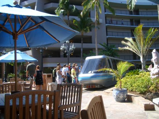 Hilton Waikoloa Village: ホテル敷地内の列車(トリム?)もあり、とにかく広い