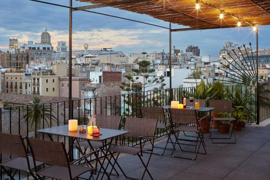Casa Camper Hotel Barcelona: TERRACE BY NIGHT 3