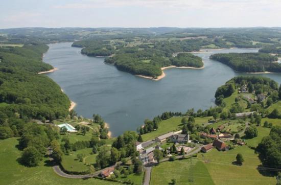Hotel Du Lac Saint Etienne Cantales