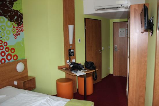 B&B Hotel Koblenz: Habitación