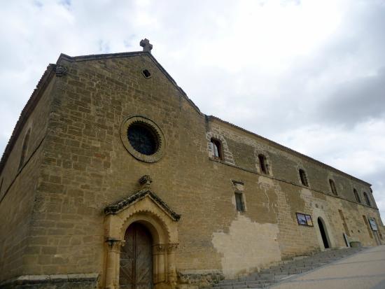 Huete, España: fachada del antiguo monasterio del Cristo