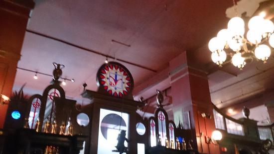 The Local Irish Pub: 雰囲気あります