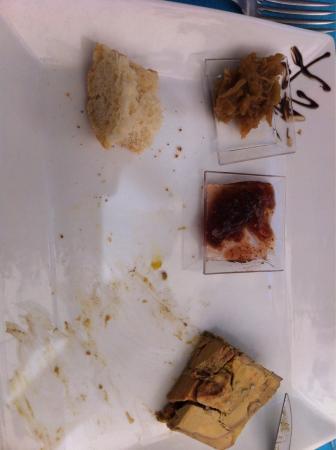 La Terrasse Provencale : Terrine de foie gras maison, noix de St Jacques et gambas... Un vrai festin!
