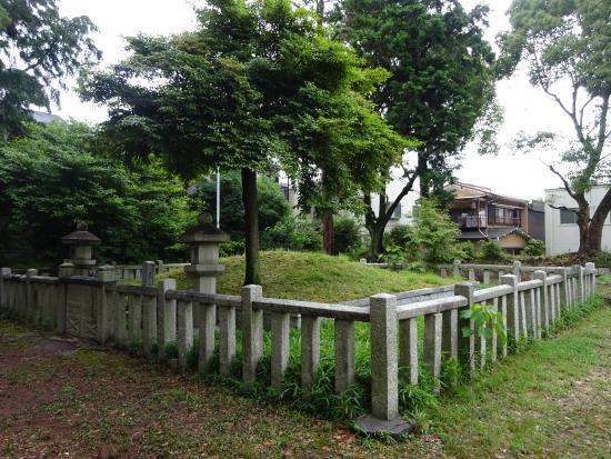 Sakanoue no Tamura Maro Haka