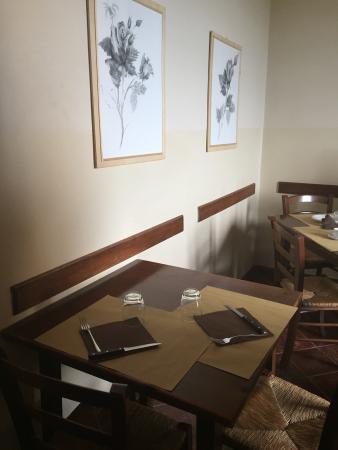 Ristorante Pizzeria Montalbuccio: Interni