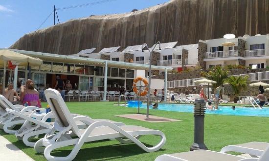 Altamadores: Pool area