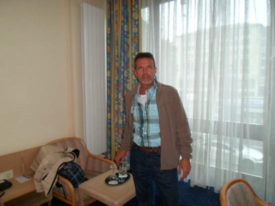 Hotel Daniel: JPuma en la habitacion