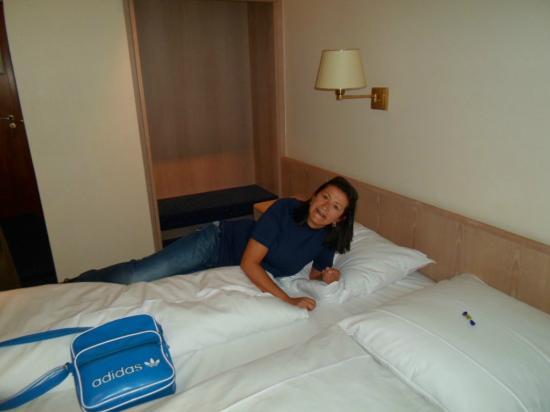 Hotel Daniel: Eli en la habitacion