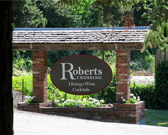 Roberts Crossing: The main sign visible from River Road