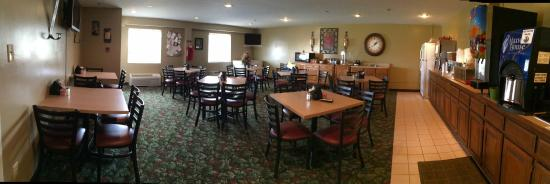 Rosebud Inn: Breakfast Room