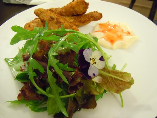 The Summer Isles Bar: Chicken strips with salad in the bar