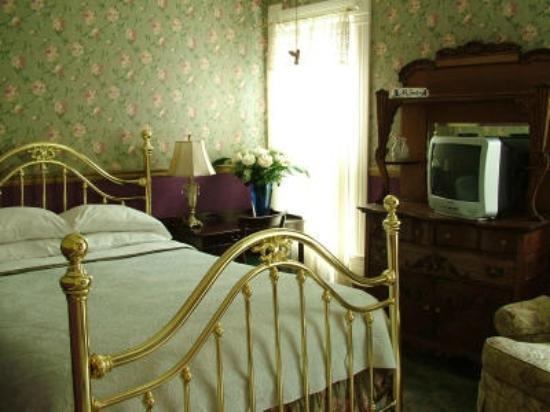 Harrison House Bed & Breakfast: Room #3