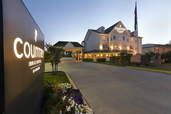 Photo of Country Inn & Suites Covington