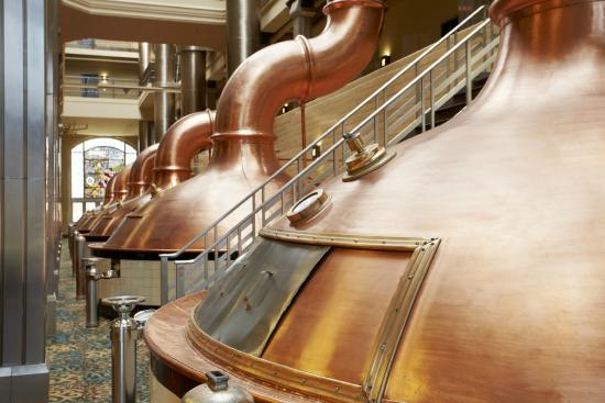 The Brewhouse Inn & Suites: Original Pabst Brewing Kettles (Atrium)