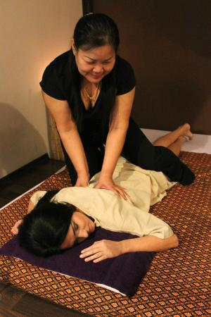 phonthip thai smile thai massage