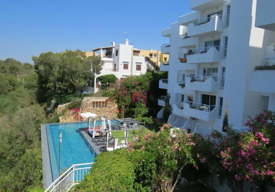 Ferrera Beach Apartments Grown Ups Area