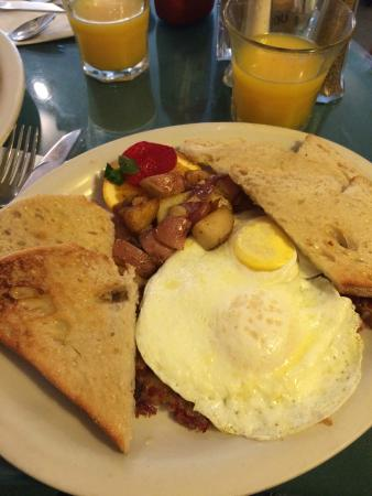 The Gourmet Deli & Cafe: Corned beef hash, eggs and toast