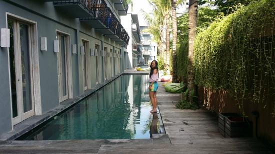 Frii Bali Echo Beach Hotel Walk On Water