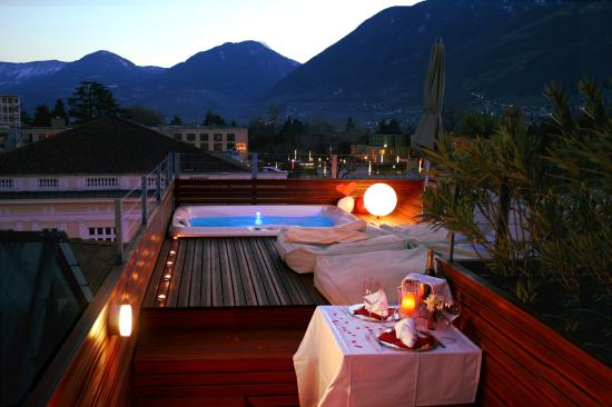Boutique & Design Hotel ImperialArt: Private Whrirlpool on roof top terrace - PARADISE LOFT