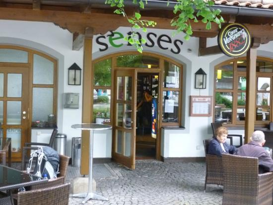 Senses Lounge Cafe Bar