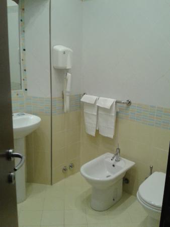 Lux Hotel Durante: Bathroom