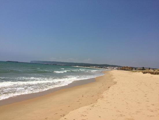 Hotel Adiafa: The beach in June