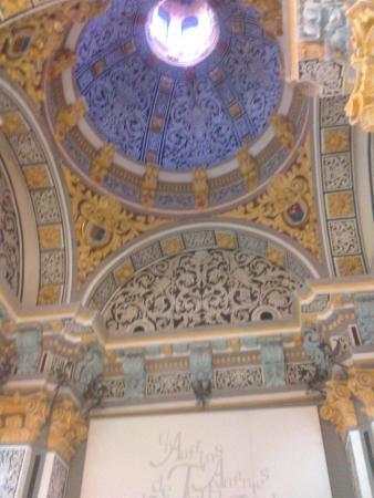 Techo deel Mausoleo de los Amantes - Picture of Fundacion Amantes de Teruel, ...