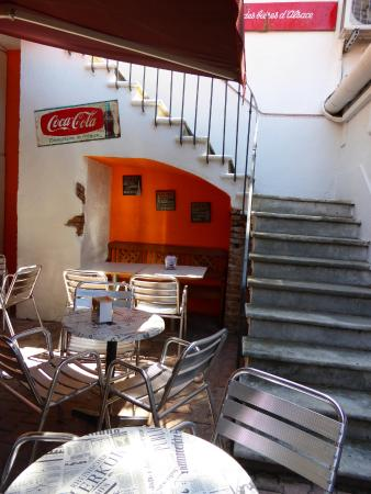 L'escalier : Petite terrasse au frais