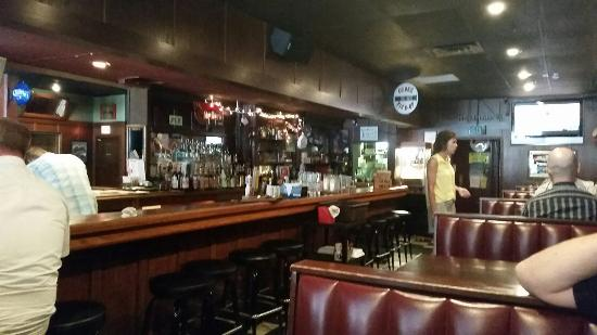 Bunker's Music Bar and Grill