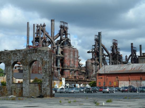 Bethlehem PA Old Steel Factory - Picture of SteelStacks ...