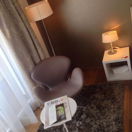 Hotel Uzwil: Sehr ruhiges geschmackvoll eingerichtet Zimmer, mit allen Komfort, ein geniales Bett, hochwertig