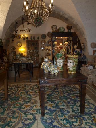 Ceramiche Artistiche  Sammartino e Delfino: negozio