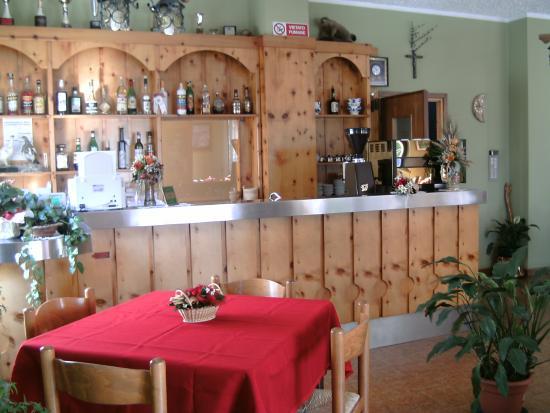 Ricevimento foto di albergo adler meubl valfurva for Albergo meuble abatjour