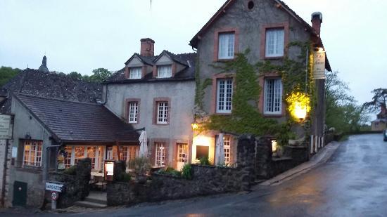 Gargilesse-Dampierre, Frankrijk: Hotel/ restaurant des Artistes