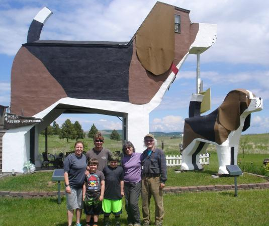 Dog Bark Park Inn: In Front Of Sweet Willy With Frances And Dennis