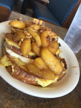 The 10 best dearborn restaurants 2018 tripadvisor for Big fish dearborn mi