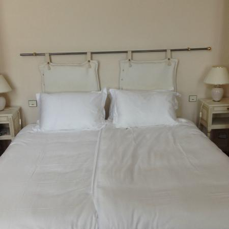 Hotel Les Trois Lys: The Most Delicious Italian Bed Sheets