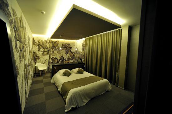 hotel nota bene montceau les mines frankrig hotel anmeldelser sammenligning af priser. Black Bedroom Furniture Sets. Home Design Ideas