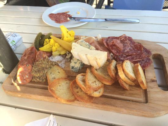 The Ceili Cottage : Assorted cheese and meat sampler