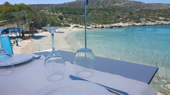 Loutraki Restaurant and Seaside Bar