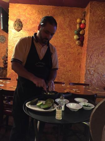 La Bamba Mexican Cafe: 'Top Shelf Guacamole' made at your table