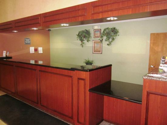 Motel 6 Walton-Richwood : Lobby