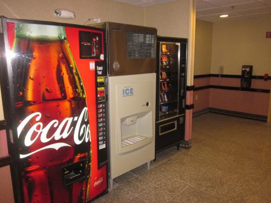 Motel 6 Walton-Richwood : Vending
